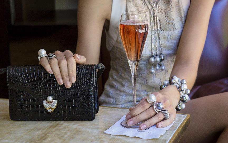 Dress BLACK HALO / Bag & Jewelry ELLAGEM NY