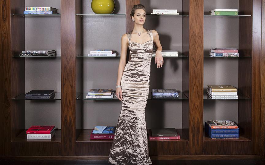 Dress Nicole Miller / Jewelry ELLAGEM NY
