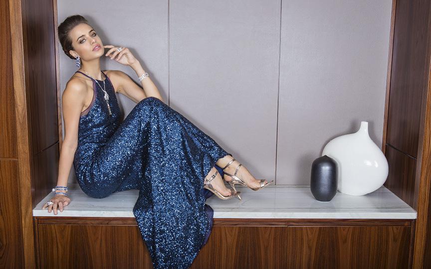 Dress BADGLEY MISCHKA / Shoes VINCE CAMUTO / Jewelry ELLAGEM NY