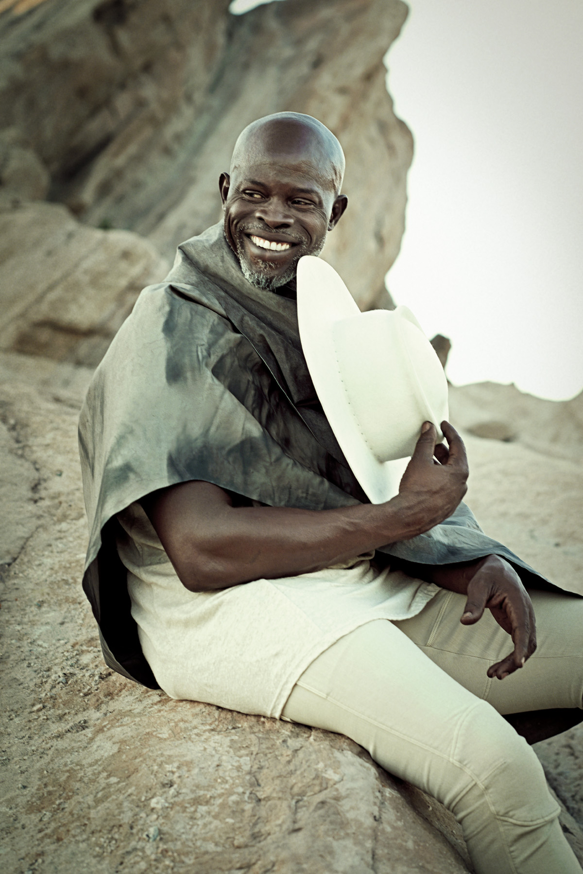 05 SPIRIT-&-FLESH-Magazine-Djimon-HOUNSOU-