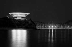 Spirit-&-Flesh-Magazine_The-Contemporary-Art-Museum-Niteroi,-2011