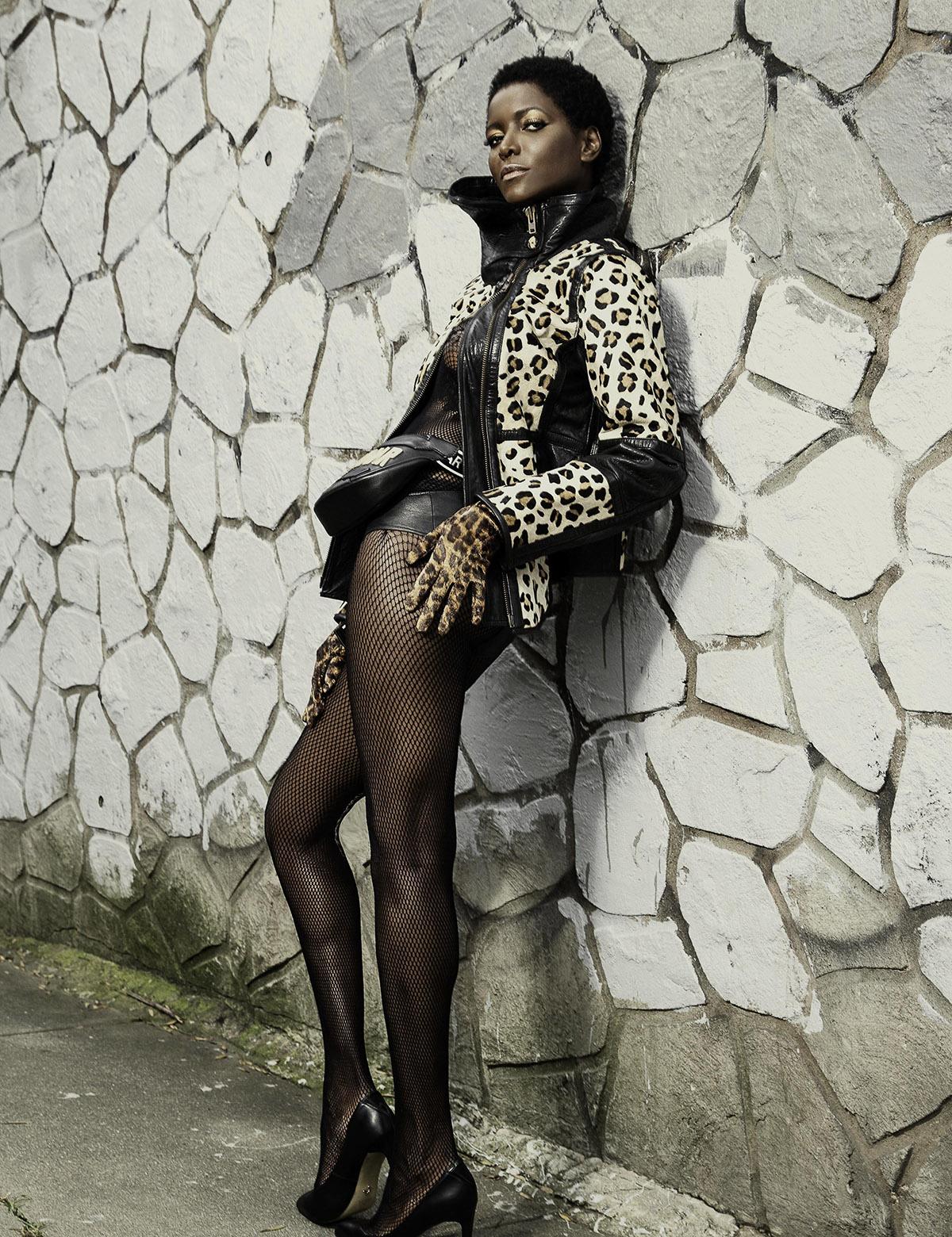Spirit-&-Flesh-Magazine_model-DAHLIA-JAMES_by_RON-CONTARSY_02