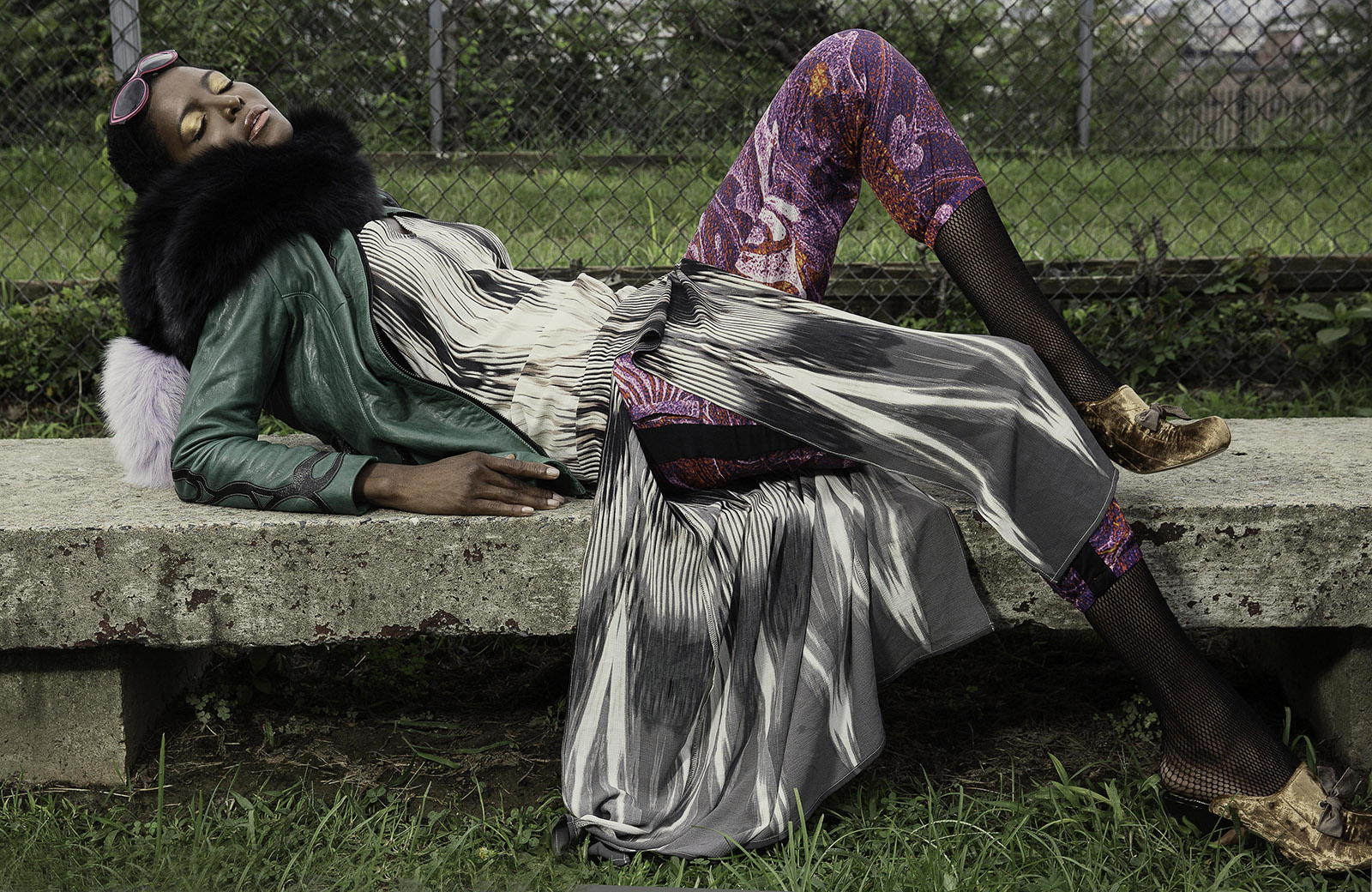 Spirit-&-Flesh-Magazine_model-DAHLIA-JAMES_by_RON-CONTARSY_03