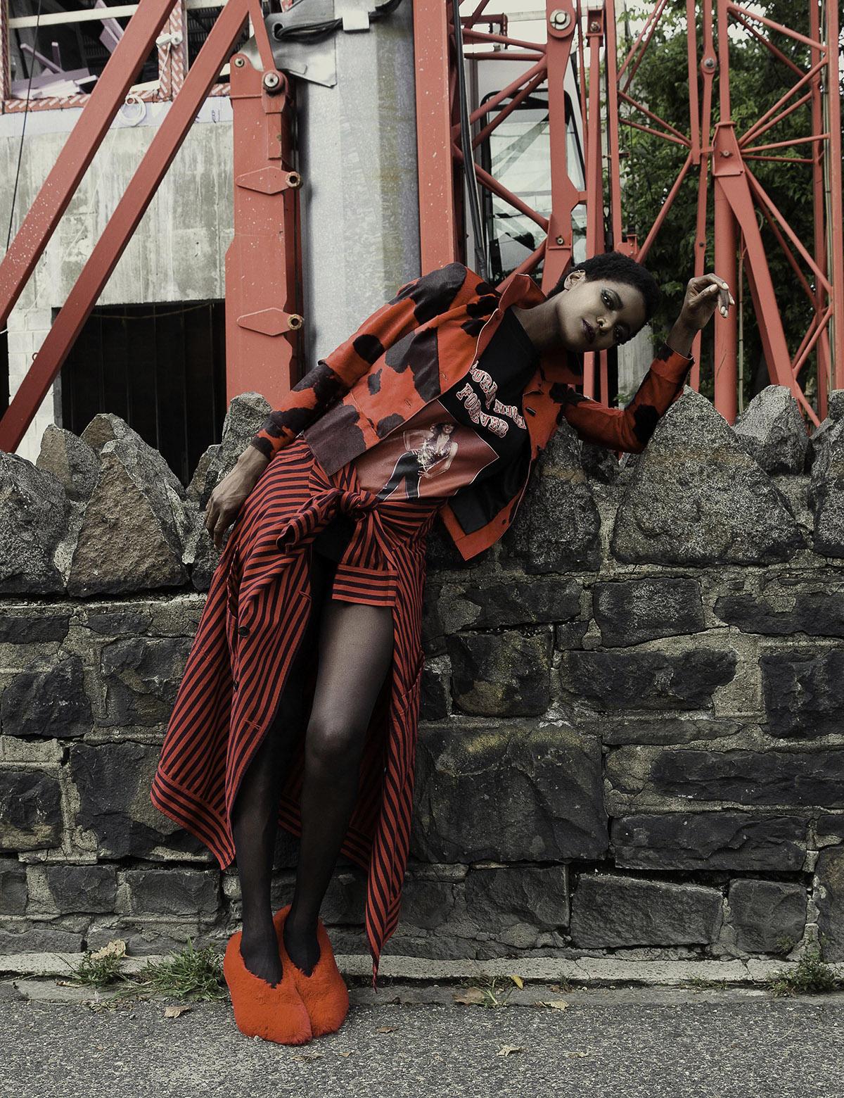 Spirit-&-Flesh-Magazine_model-DAHLIA-JAMES_by_RON-CONTARSY_06