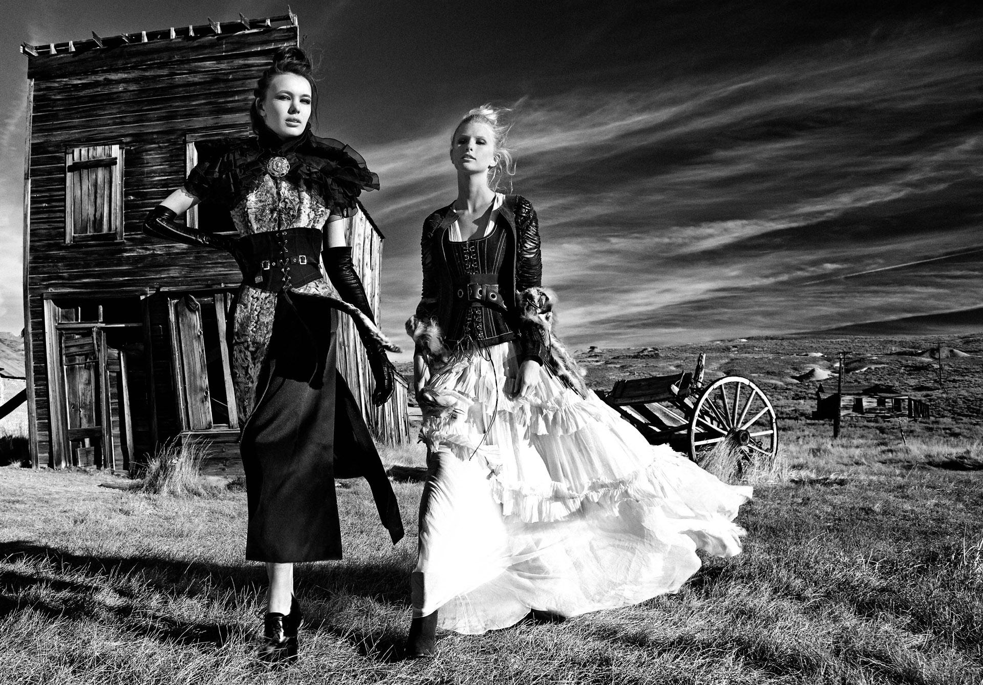 Spirit-&-Flesh-Magazine_LAS-DESPERADAS_by_MEG-WEBSTER_and_ATHANASIA-NICHOLS_003